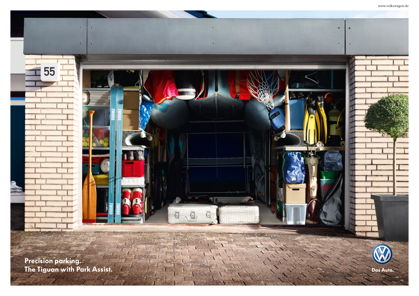 Volkswagen print advert by grabarz partner parking for Garage volkswagen biarritz