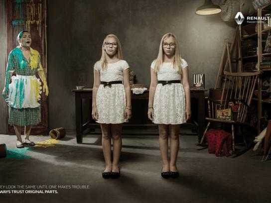 Renault Print Ad -  Evil Twin - Paint prank