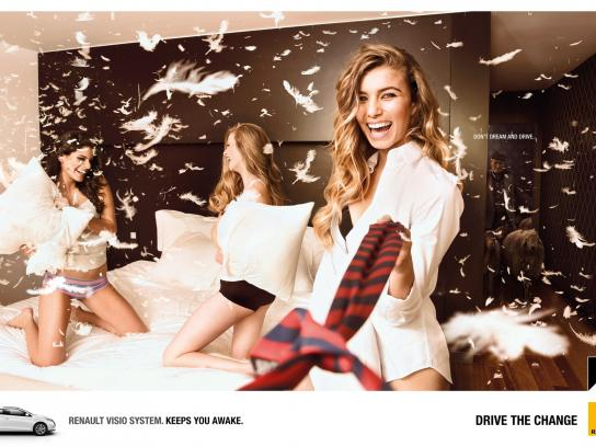 Renault Print Ad -  Pillow fight