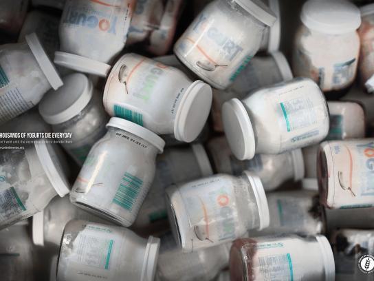 BANCO DE ALIMENTOS Print Ad - Yogurts