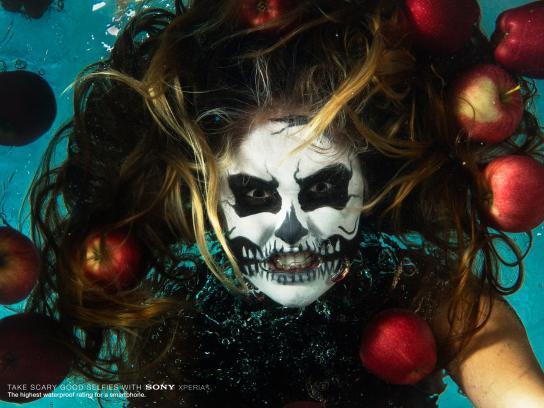 Sony Print Ad -  Underwater selfie, 2