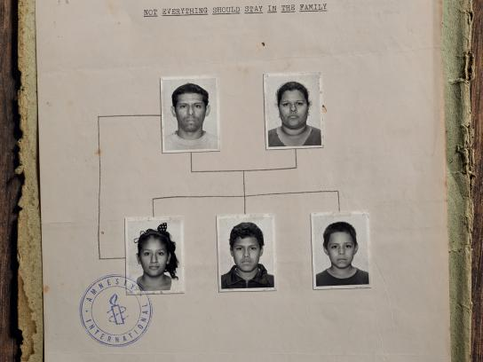 Amnesty International Print Ad -  Family tree, 1