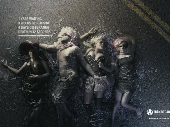 ONG Trânsito Amigo Print Ad -  Carnival