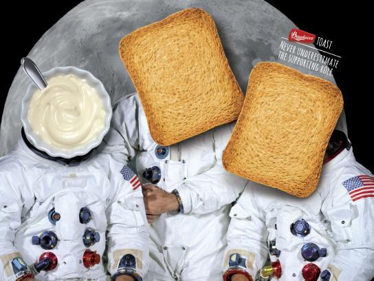 Bauducco Print Ad -  Astronauts
