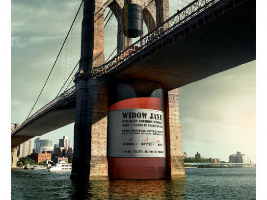 Widow Jane Outdoor Ad - New York's Kindred Spirit - Brooklyn Bridge