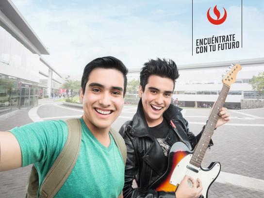 Universidad Peruana de Ciencias Aplicadas Outdoor Ad - Selfie