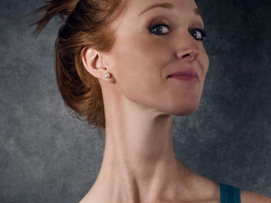 Dell Print Ad - Posture Long Neck