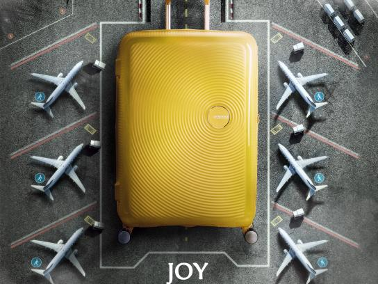 American Tourister Print Ad - Joy in Every Destination, 1
