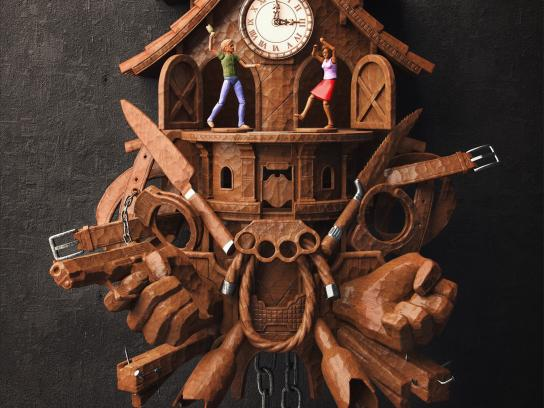 Government of Paraná State Print Ad -  Domestic violence cuckoo clock