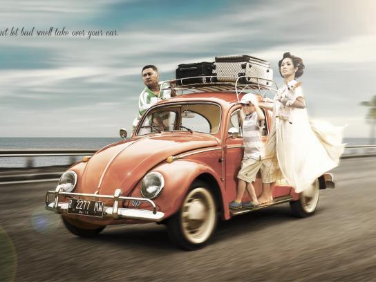 Ambi Pur Print Ad -  Family's picnic