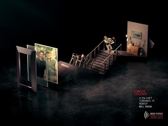 Disque-Denúncia Print Ad -  Domestic Violence, Father