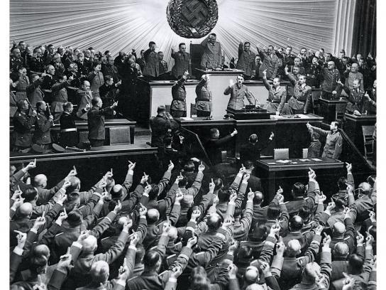 Finishizer Print Ad -  Fail Hitler