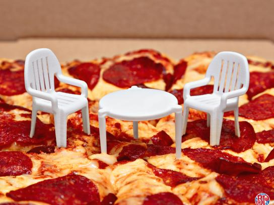 Boston Pizza Design Ad - The Pizza Patio Set