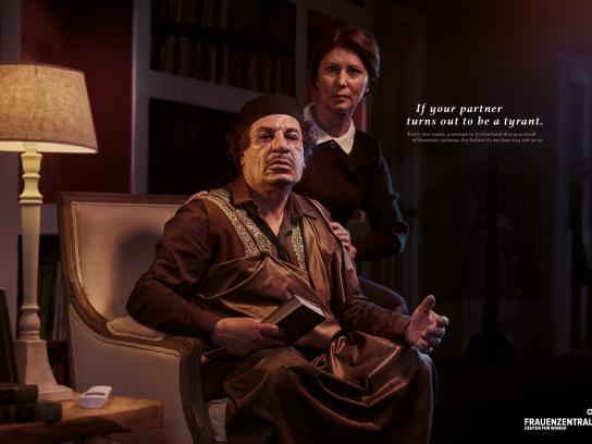 Frauenzentrale Print Ad -  Gaddafi