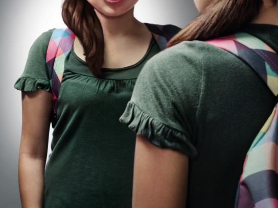 Vizoo Magazine Print Ad -  Bullying, Girl
