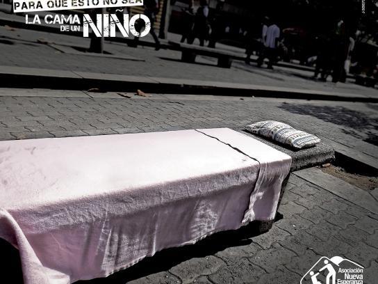 Asociación Nueva Esperanza Print Ad -  Bed