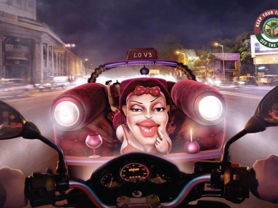 Bangalore traffic police Print Ad -  Girlfriend