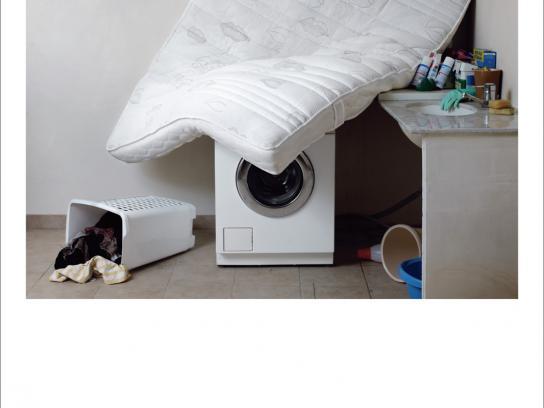 Dunlopillo Print Ad -  Washing machine