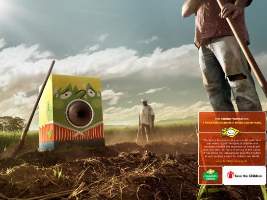 Abrinq Print Ad -  The Voice of Children in Brazil, Field