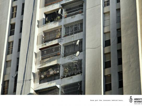 Amnesty International Print Ad -  Windows, 1