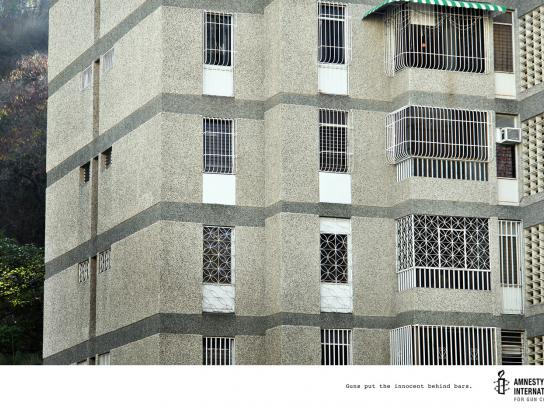 Amnesty International Print Ad -  Windows, 2