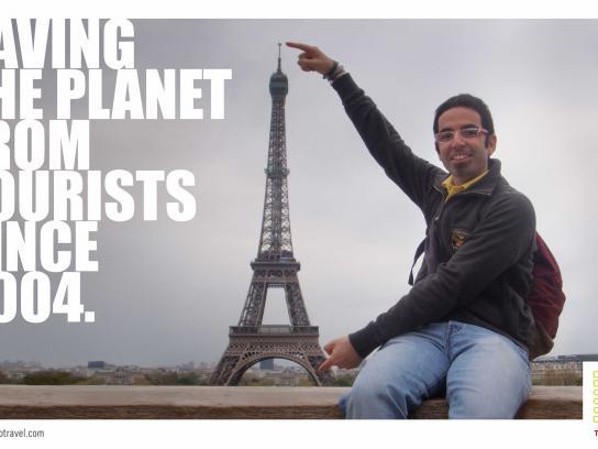 Azonzotravel Print Ad -  Eiffel tower