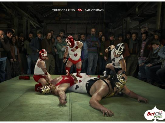 Betclic Print Ad -  Three of a kind vs Pair of Kings