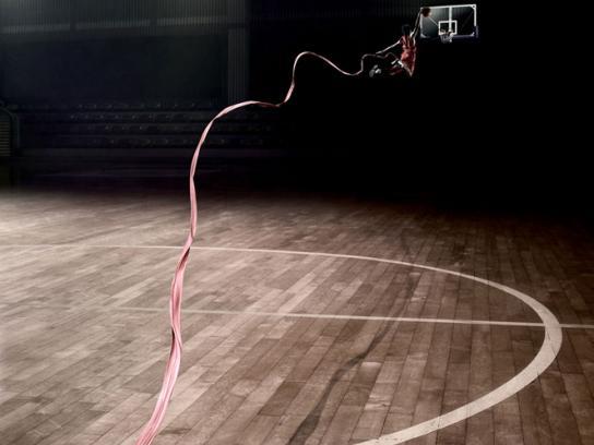 Big Babol Print Ad -  Stretched Gum, Basketball