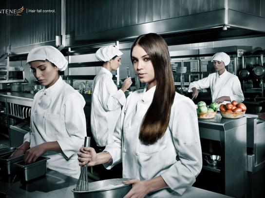 Pantene Print Ad -  Kitchen