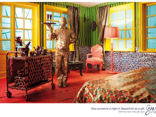 Give a Night Print Ad -  Give an experience, Maastricht