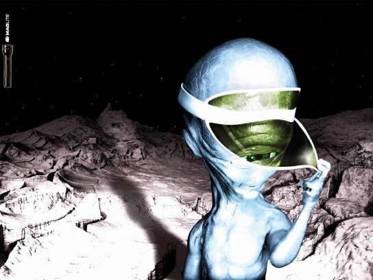 Maglite Print Ad -  Alien, 3