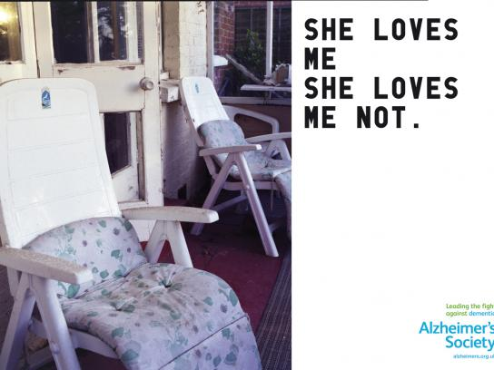 Alzheimer's Society Print Ad -  She loves me