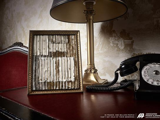 Association France Alzheimer Print Ad -  Frame, 2