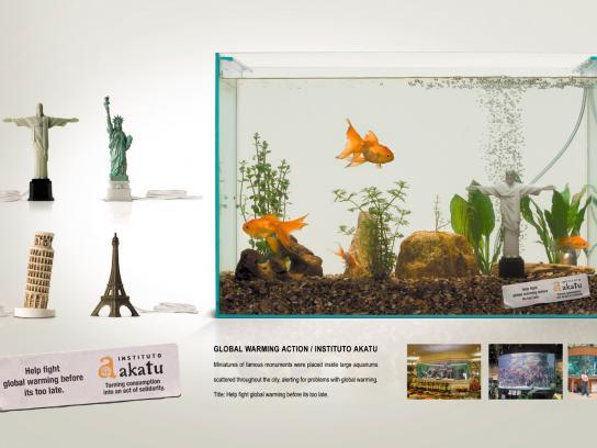 Akatu Institute Ambient Ad -  Aquarium monuments