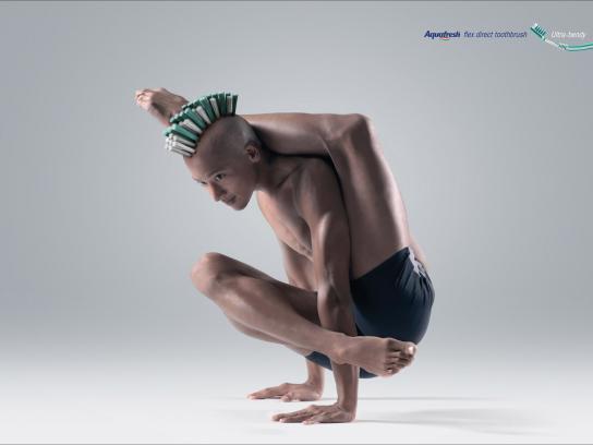 Aquafresh Print Ad -  Ultra-bendy, 1