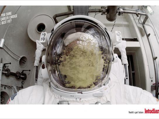 L'Etudiant Print Ad -  Astronaut