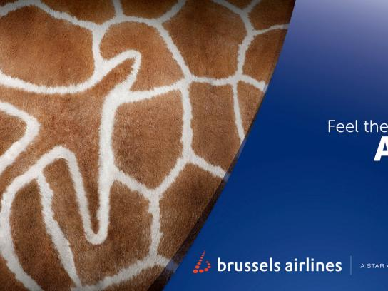 Brussels Airlines Outdoor Ad -  Feel the colours of Africa, Giraffe