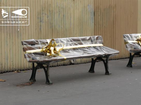 Sooruz Print Ad -  Merry Christmas, Benches