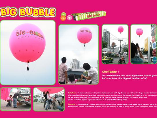 Big Bloom Ambient Ad -  Hot air balloon