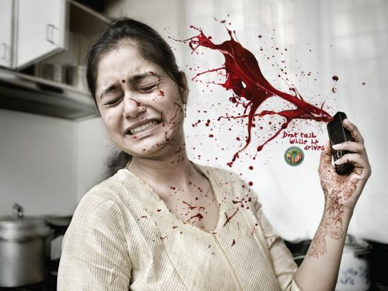 Bangalore traffic police Print Ad -  Talk them dead, House-wife