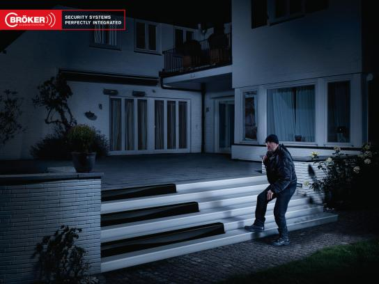 Bröker Security Systems Print Ad -  Burglars, Piano