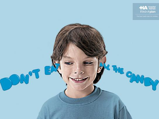 Hospital Aleman Print Ad -  Ears, Candy