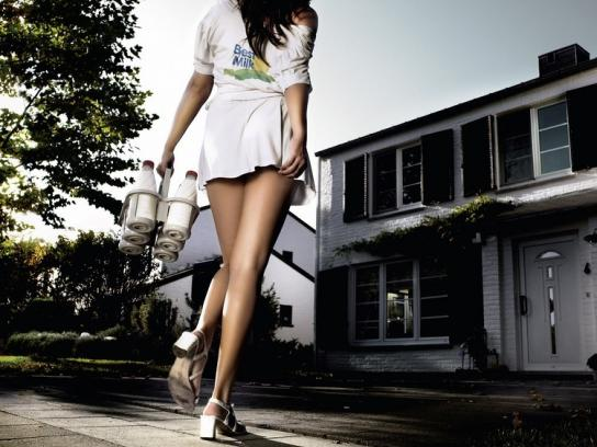 Ché Magazine Print Ad -  Milk lady