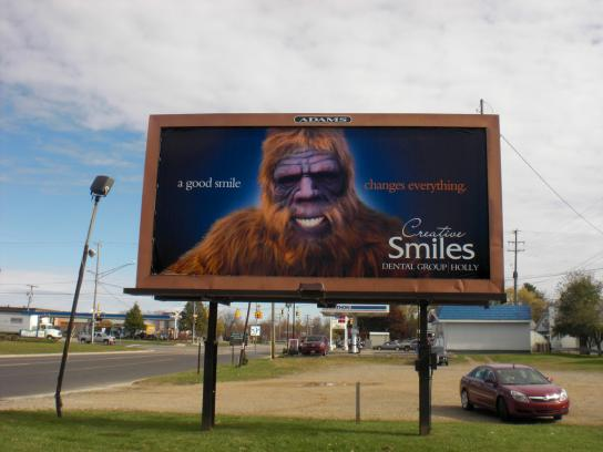 Creative Smiles Dental Group Outdoor Ad -  Yeti