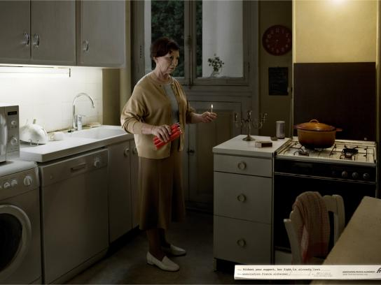 Association France Alzheimer Print Ad -  The fight, TNT