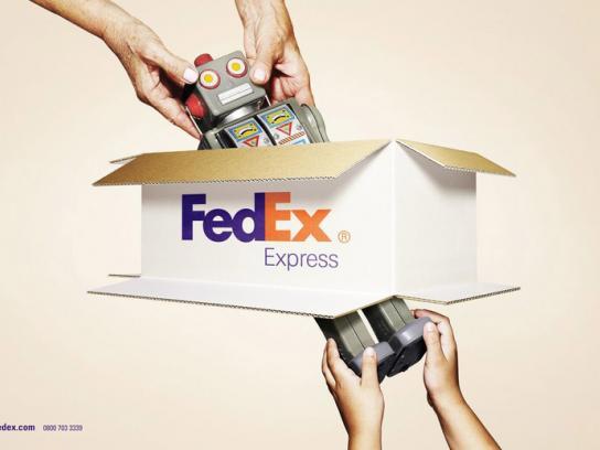 FedEx Print Ad -  Robot