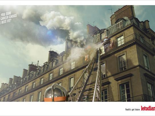 L'Etudiant Print Ad -  Fireman