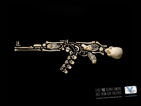 Gesellschaft für bedrohte Völker Print Ad -  Kalashnikov