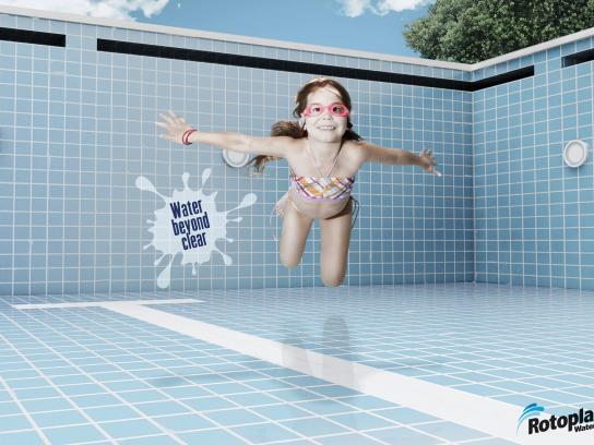 Rotoplas Print Ad -  Girl