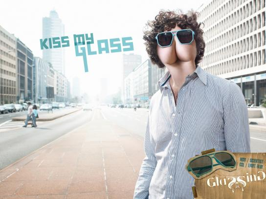 Glassing Print Ad -  Kiss my glass, 3